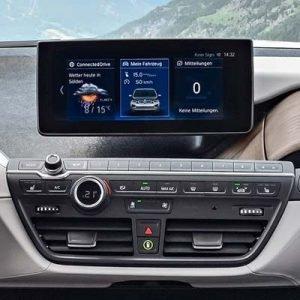 BMW i3 con sistema EVO y pantalla