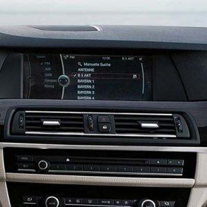 BMW Serie 5 con sistema CIC y pantalla
