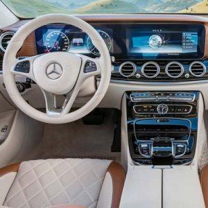 Mercedes Clase E W213 con NTG 5.5 y pantalla