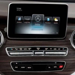 Mercedes Clase V W447 con NTG 5.2 y pantalla