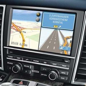 Porsche con sistema PCM 3.1 y pantalla