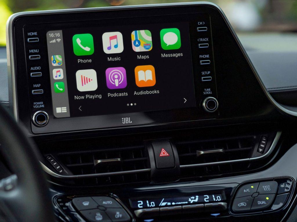 Toyota C-HR con sistema Apple CarPlay
